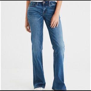 American Eagle favorite boyfriend jeans — 14